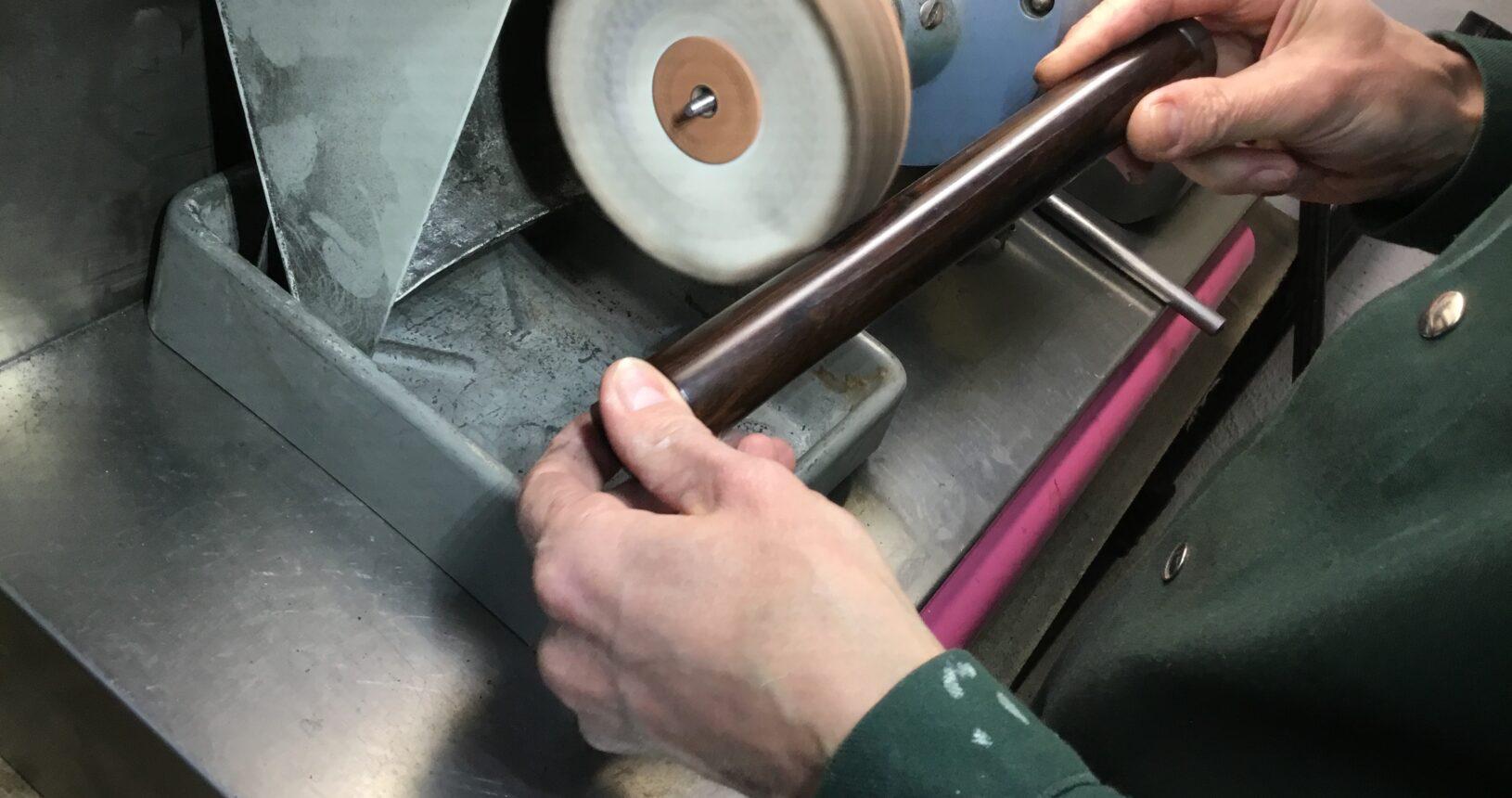 Klarinettenbau Holzpolieren